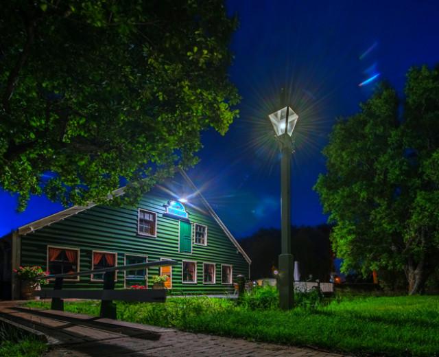De Kraai by night